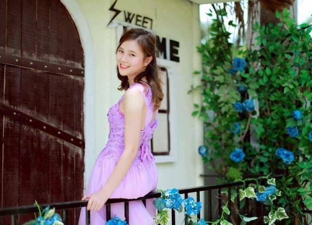 Cô gái 9X trẻ trung xinh đẹp ngoài đời thường