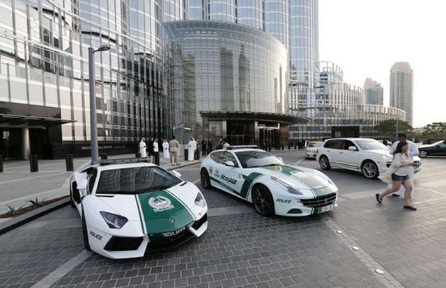 Chán siêu xe, cảnh sát Dubai chuyển sang môtô bay - 8
