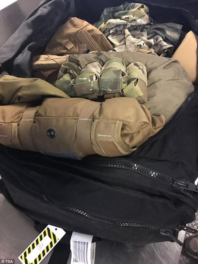 Những món đồ kinh dị nhất hải quan sân bay phát hiện trong hành lý du khách - 7