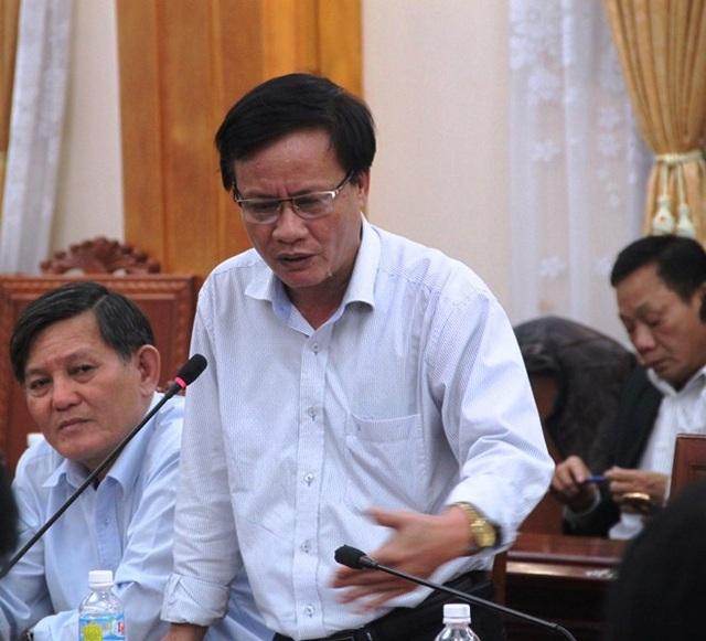 Phó Chủ tịch UBND huyện Hoài Nhơn (Bình Định) yêu cầu công ty đóng tàu phải làm việc rõ ràng với các chủ tàu để sớm đền bù thiệt hại cho ngư dân