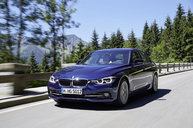 BMW Series 3 là mẫu xe nhập khẩu nguyên chiếc từ Đức và luôn có sẵn để giao ngay cho khách hàng