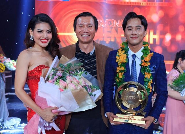 """Kết quả, giải Nhất của chương trình """"Gương mặt Điện ảnh"""" thuộc về Mai Tài Phến với giải thưởng trị giá 100 triệu đồng và chiếc cúp mạ vàng nặng 8 kg."""