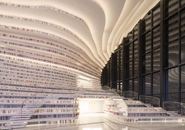 Cảm nhận mà đội ngũ thiết kế muốn tạo ra ở những người ghé thăm thư viện, đó là nơi này phải ấm cúng như phòng khách nhà họ.