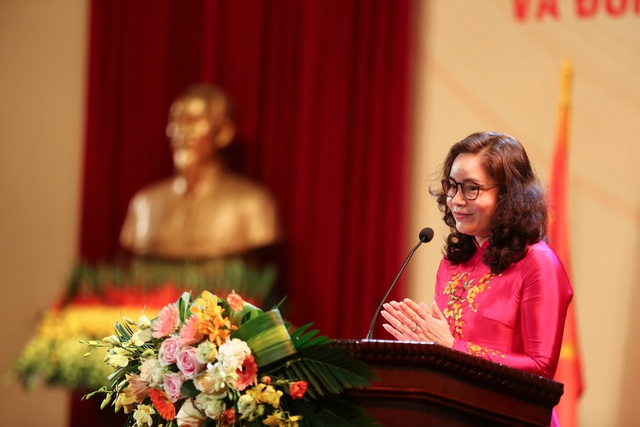 Thứ trưởng Trịnh Thị Thuỷ phát biểu tại lễ kỷ niệm.
