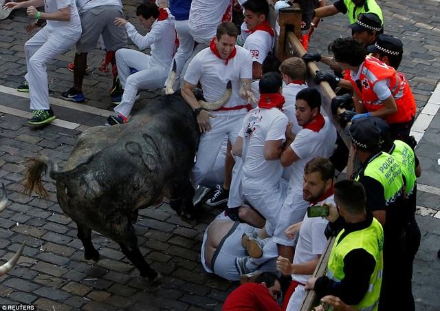 Hiện tại, lễ hội đua bò San Fermin mới bắt đầu diễn ra và vẫn còn rất nhiều hoạt động ở phía trước.