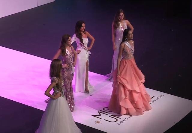 Diana Lai xuất hiện bên các người đẹp top 5.