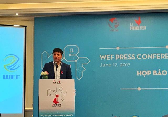 Vụ trưởng Vụ CNTT Đào Đình Khả phát biểu tại buổi họp báo