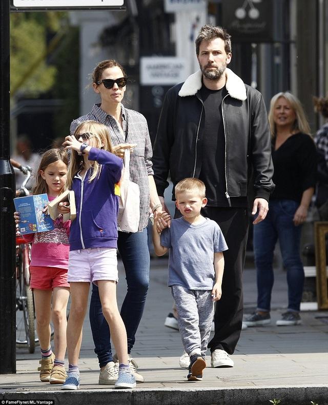 Nam diễn viên Ben Affleck chia sẻ mọi điều với con.