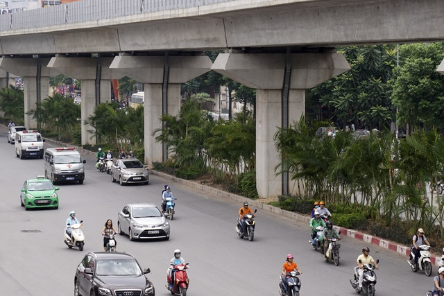Thời gian tới, việc trông cây sẽ tiếp tục được thực hiện để tạo cảnh quan thân thiện cho đường Nguyễn Trãi.