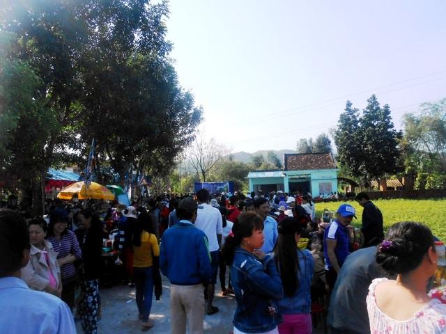 Đông đảo người dân tham gia ngày hội