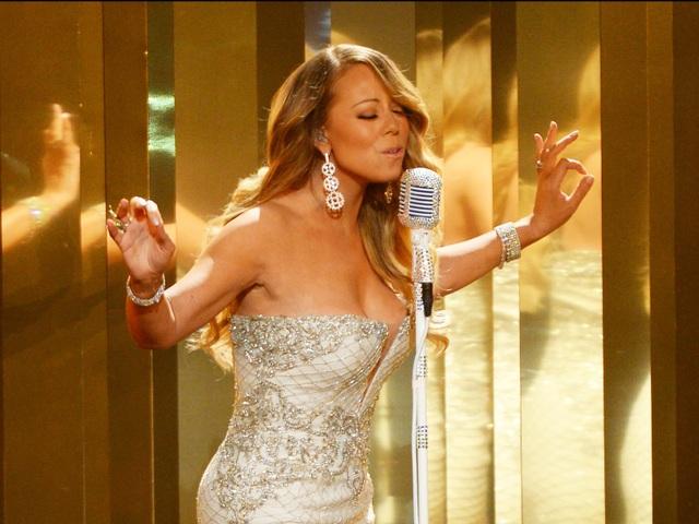 Nữ danh ca Mariah Carey yêu cầu phòng thay đồ không sử dụng những đồ nội thất có họa tiết rối rắm, gây hoa mắt. Cô đề xuất những món đồ đặt trong phòng thay đồ riêng của mình mang một tông màu đơn giản, có thể là màu đen, kem, hồng đậm, xám đậm.