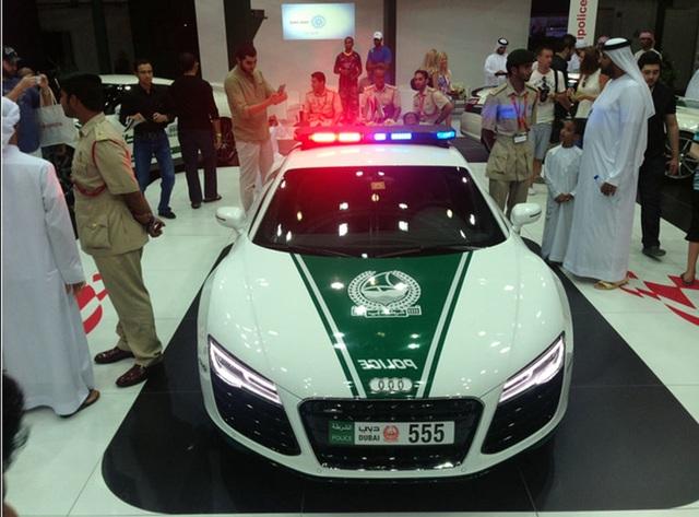 Chán siêu xe, cảnh sát Dubai chuyển sang môtô bay - 10