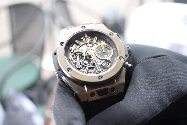 Thiết kế của phiên bản này thể hiện sự mạnh mẽ và góp phần quan trọng trong việc phá vỡ những quy tắc sản xuất đồng hồ truyền thống. Được biết đây là phiên bản đồng hồ giới hạn với giá vào khoảng 750 triệu đồng.