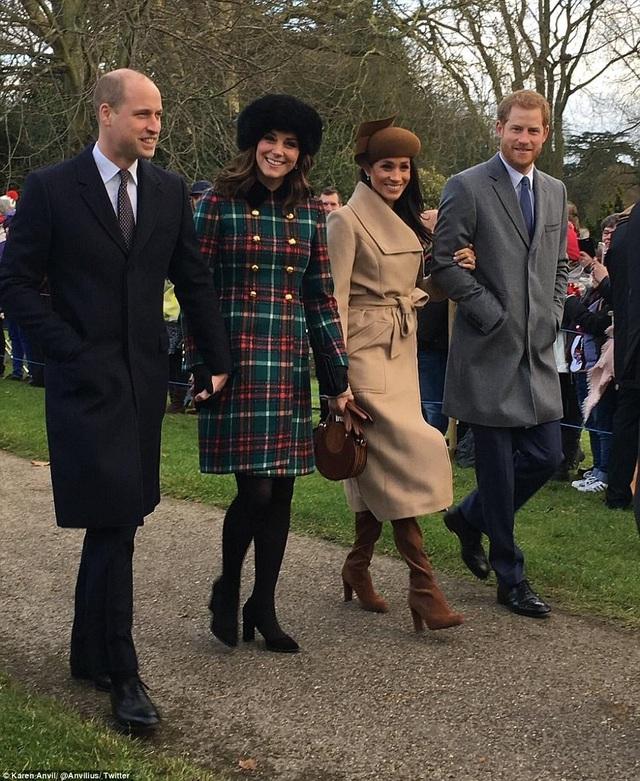 Việc hoàng gia Anh chấp nhận một phụ nữ đã ly dị chồng là dấu hiệu cho thấy quan điểm của các thành viên trong gia đình Hoàng gia đã có nhiều thay đổi