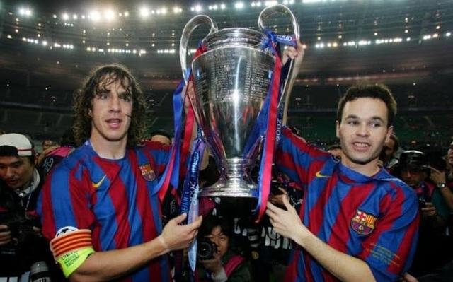 4. Andres Iniesta (28 danh hiệu): La Liga: 2004-05, 2005-06, 2008-09, 2009-10, 2010-11, 2012-13, 2014-15, 2015-16; Cúp Nhà vua Tây Ban Nha: 2008-09, 2011-12, 2014-15, 2015-16; Siêu cúp Tây Ban Nha: 2005, 2006, 2009, 2010, 2011, 2013;Champions League: 2005-06, 2008-09, 2010-11, 2014-15; UEFA Super Cup: 2009, 2011, 2015; Club World Cup: 2009, 2011, 2015.