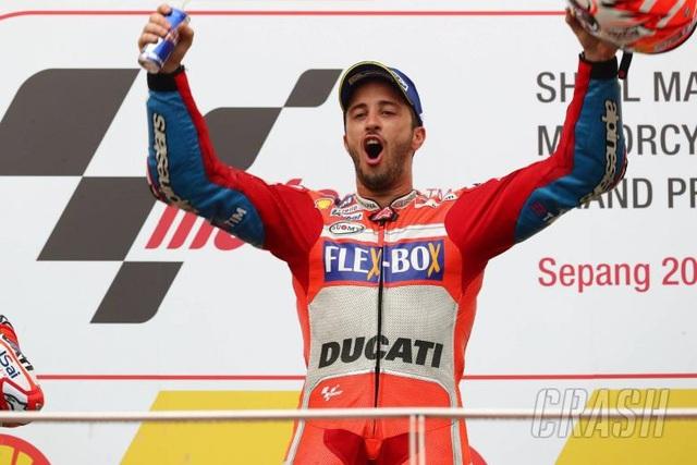 Dovizioso giành chiến thắng tại Sepang khiến Marquez không thể vô địch sớm - 7