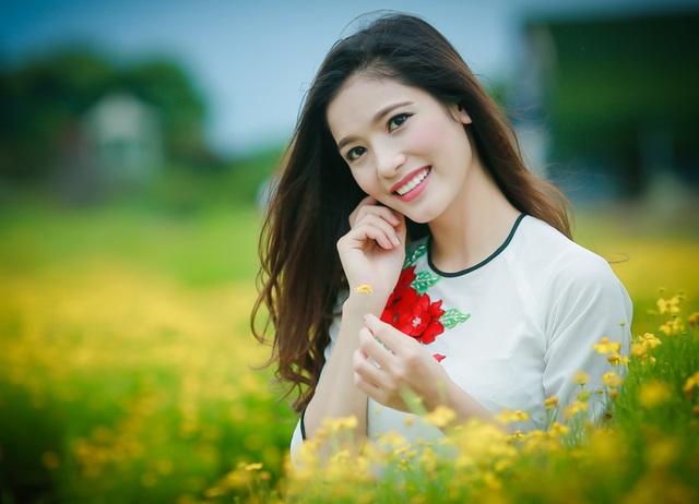 Hoàng Thùy Linh (sinh năm 1996) - sinh viên Học viện Quản lý giáo dục