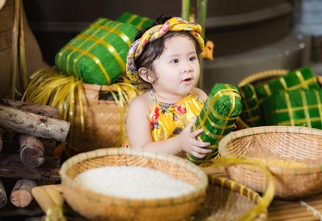 Khánh My còn quá nhỏ để có thể tạo dáng chụp ảnh nhưng cô bé lại có những biểu cảm tự nhiên quá đỗi dễ thương.