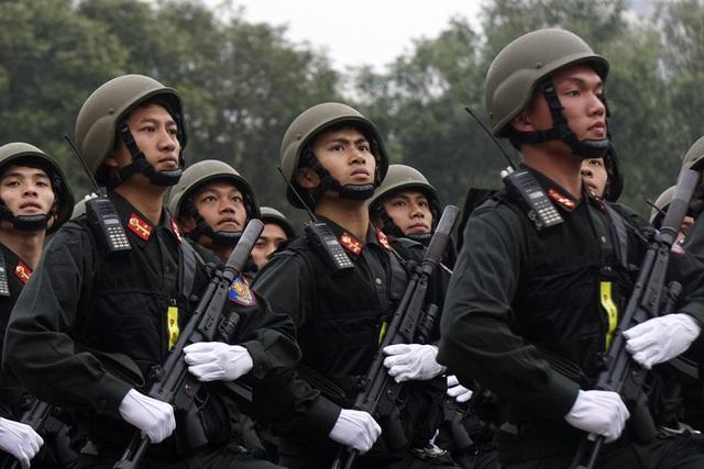 Tiểu đoàn cũng có cơ hội đón các lực lượng cảnh sát đặc nhiệm các nước đến đơn vị trao đổi huấn luyện về công tác phòng chống khủng bố, giải cứu con tin, võ thuật... giúp đơn vị ứng dụng huấn luyện cho cán bộ chiến sỹ nâng cao kỹ chiến thuật.