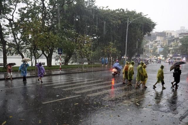 Thời điểm mưa lớn nhất lúc hơn 16h.