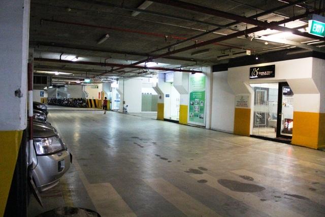 """Cũng như Thảo Điền Pearl, tầng hầm của Sài Gòn Pearl cũng từng bị chủ đầu tư """"chiếm dụng"""" làm """"của riêng"""". Một phần tầng hầm 1 của dự án hiện vẫn đang được chủ đầu tư cho một số công ty thuê làm văn phòng, điểm kinh doanh."""