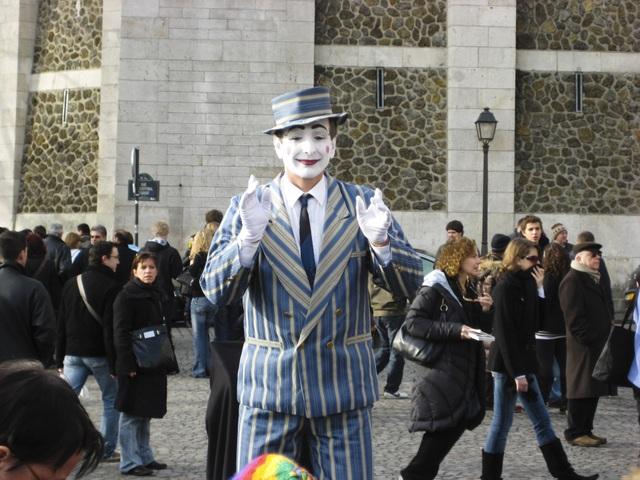 Làm thế nào để biểu diễn nghệ thuật đường phố một cách văn minh? - 8