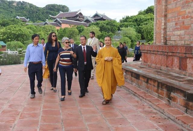 Tổng giám đốc UNESCO thăm quần thể danh thắng Tràng An - 9