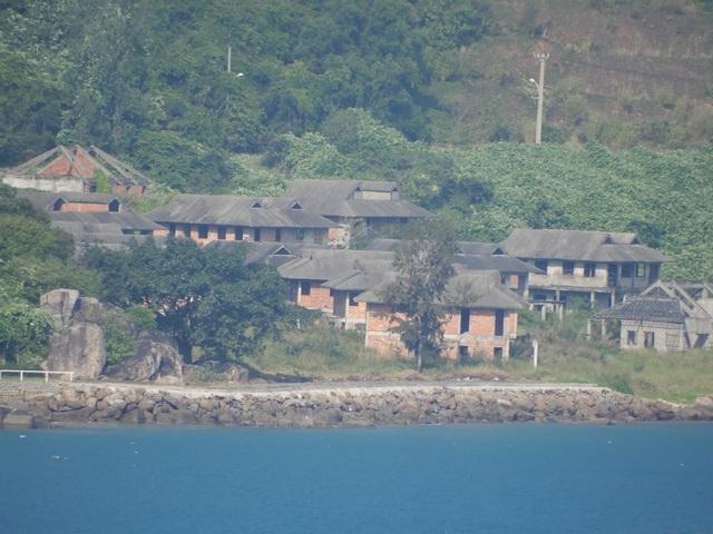 Nằm ở vị trí Bãi Con tuyệt đẹp là dự án Sơn Trà Resort của Công ty CP Sơn Trà.