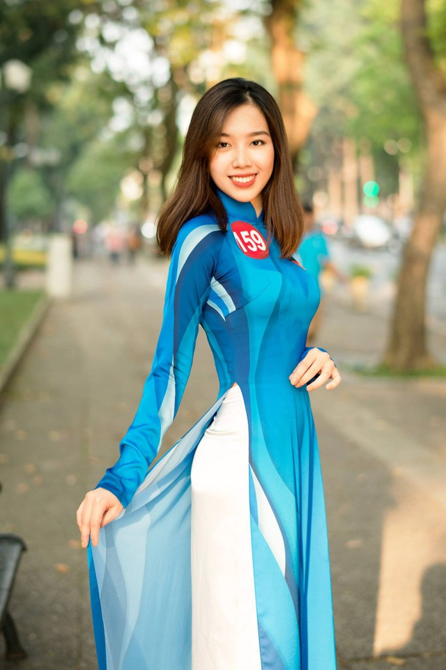 Lê Thị Thanh Phương (ĐH Kinh tế TP.HCM, SBD 159)