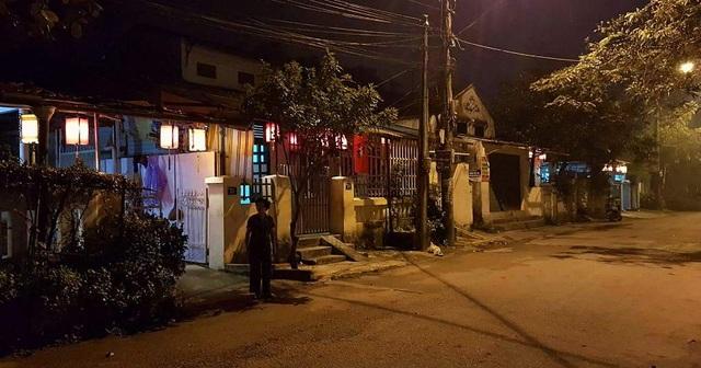 Đường Xuân 68 thời gian qua đã có nhiều nhà dân treo đèn lồng trước nhà vào ban đêm để làm đep thêm nhà và đường phố
