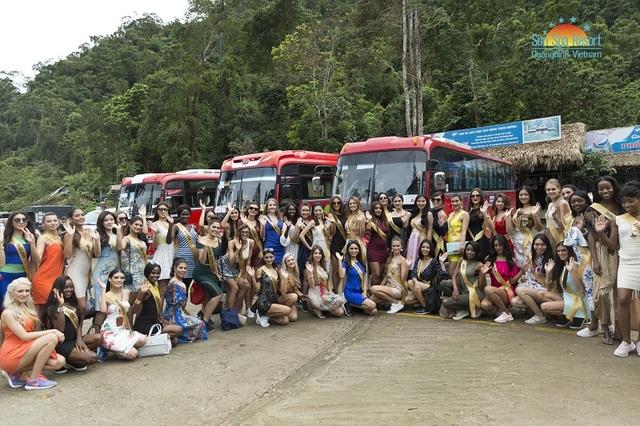 Người đẹp từ 76 quốc gia trên thế giới đến Quảng Bình để tham dự phần thi Trang phục các dân tộc