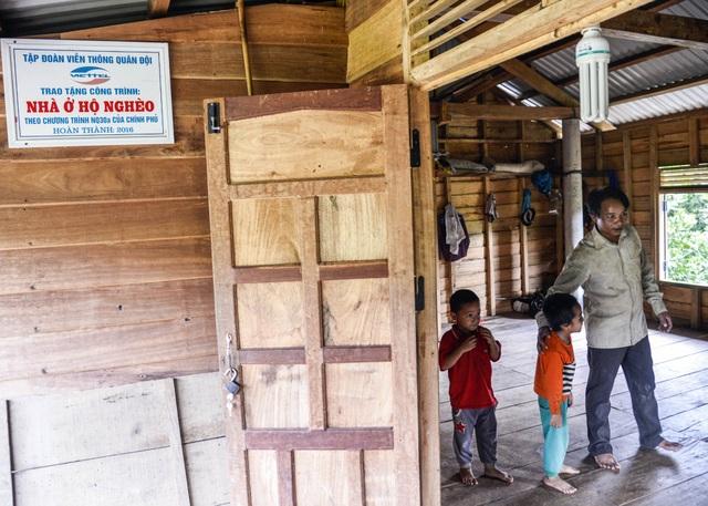Nhờ hỗ trợ của Viettel, anh Hồ Văn Rế đã dựng được căn nhà khang trang. (Ảnh: Nguyễn Thanh)