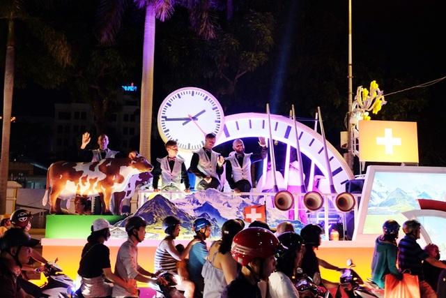 Tưng bừng lễ hội đường phố ở Đà Nẵng - 6
