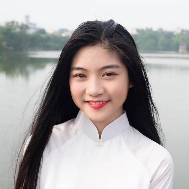 """Khoảnh khắc nữ sinh Sài Gòn trong tà áo dài """"đốn tim"""" dân mạng - 2"""