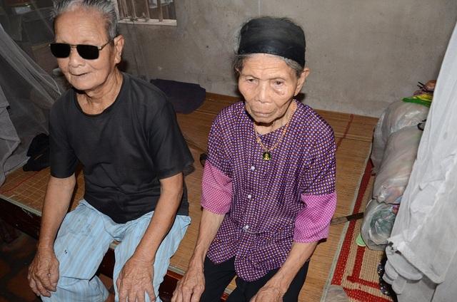 Ông bà nội tuổi đã ngoài 90, lòng đau như cắt khi nghĩ về lũ cháu bất hạnh!