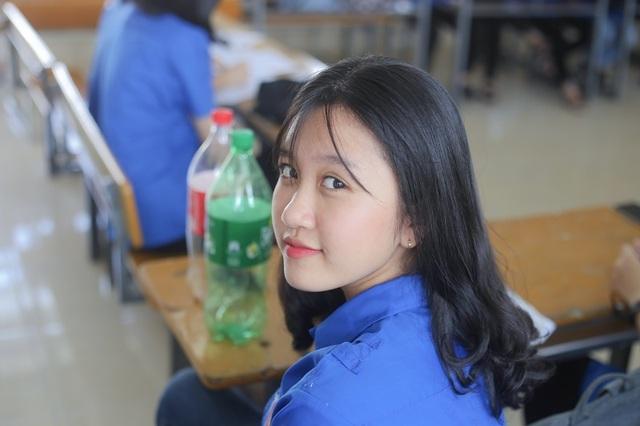 Lớp chuyên Anh Nghệ An toàn là nữ sinh xinh đẹp - 9