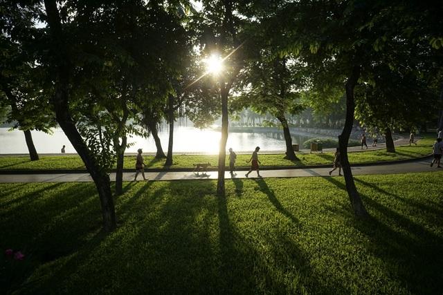 Nắng thu tại công viên Thống Nhất.