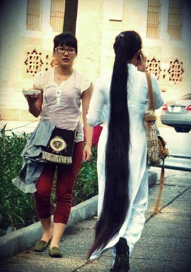 9x Sài Gòn kiếm bộn tiền nhờ quay clip khoe tóc dài gần 2m - 6