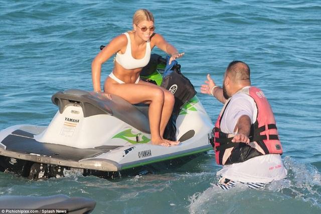 Sofia Richie và bạn trai mới được trả cát sê hàng chục nghìn đô la cho mỗi lần xuất hiện trong một sự kiện