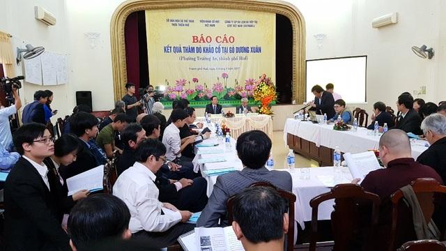 Buổi báo cáo kết quả thăm dò khảo cổ quan trọng tại gò Dương Xuân (phường Trường An, TP Huế) liên quan đến dấu tích triều đại Tây Sơn/Quang Trung.