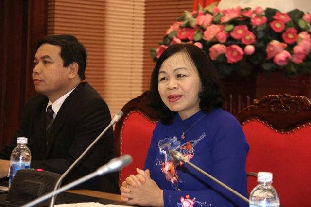 Bà Nguyễn Thị Mai Hoa - Ủy viên Thường trực Ủy ban Văn hóa, Giáo dục, Thanh niên, Thiếu niên và Nhi đồng Quốc hội phát biểu tại tọa đàm. (Ảnh: Vietnamnet)