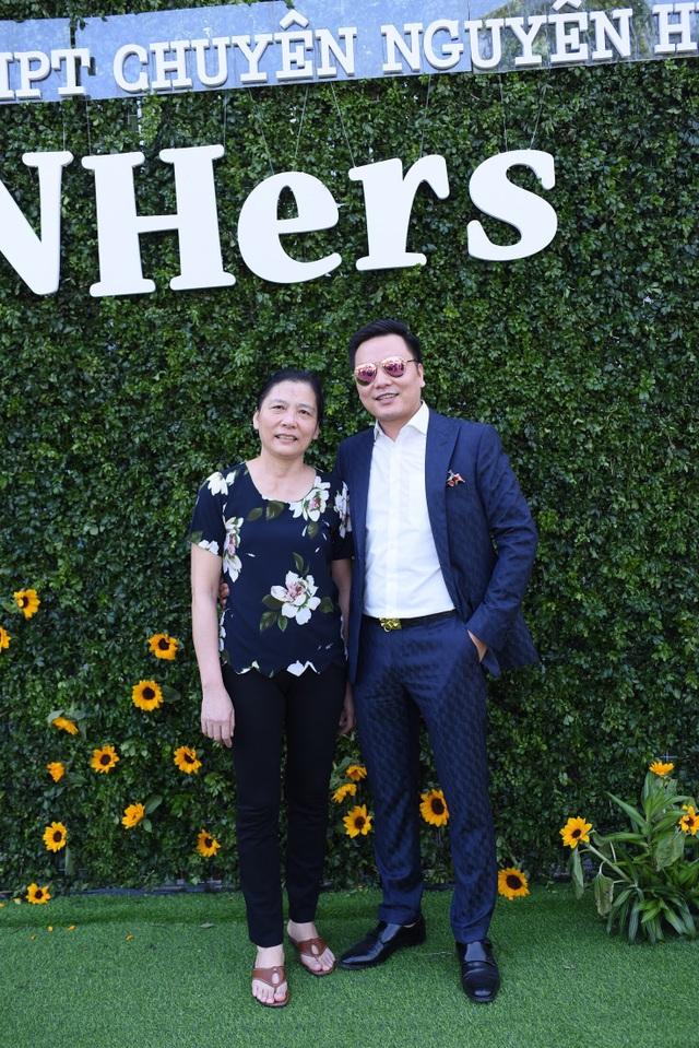 Doanh nhân, bác sĩ Nguyễn Đức Tuyên và cô giáo chủ nhiệm Nguyễn Thị Kim Oanh