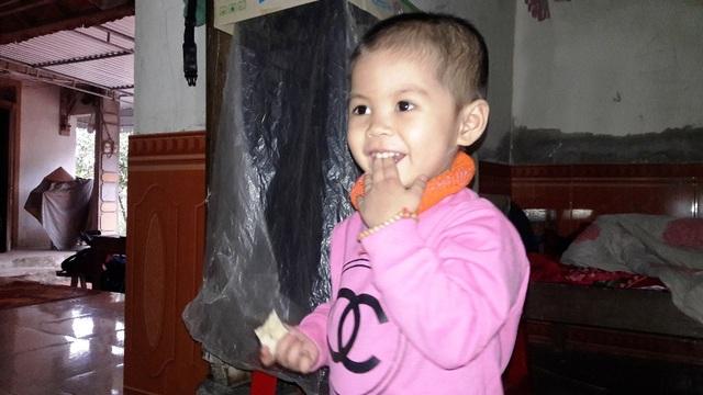 Mẹ nghèo đau đớn trước cảnh con gái 3 tuổi mắc bệnh ung thư máu - 9