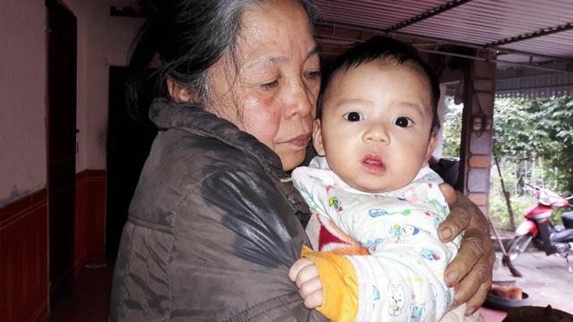 Sau khi sinh con trai thứ 3 là cháu Trần Phúc An, tế bào gốc của cháu hoàn toàn phù hợp với chị nên có thể cấy ghép để cứu Thùy Dương nhưng chi phí phẫu thuật quá lớn khiến gia đình rơi vào cảnh tuyệt vọng.
