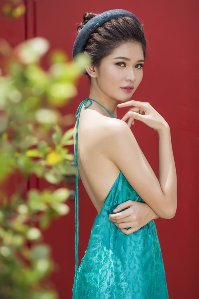Á hậu Thùy Dung có năng khiếu đàn, hát.