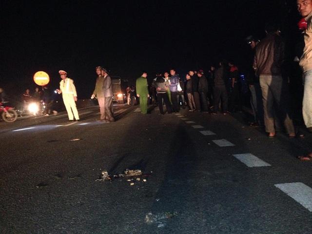 Hiện trường vụ tai nạn nghiêm trọng khiến 3 nam sinh tử vong.