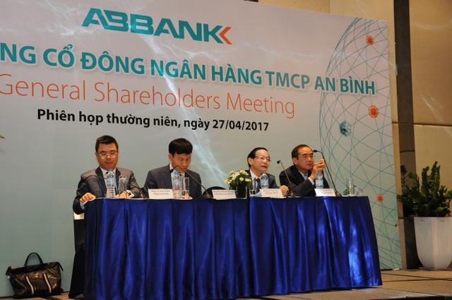 Sáng 27/4, ABBANK đã tổ chức thành công Đại hội đồng cổ đông năm 2017.