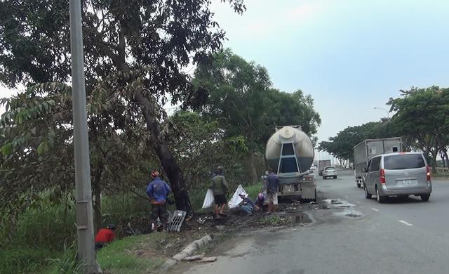 Hiện trường vụ tai nạn trên đường Nguyễn Văn Linh