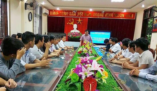 Ông Thái Huy Vinh - Phó Giám đốc Sở Giáo dục và Đào tạo Nghệ An phát biểu tại buổi lễ.