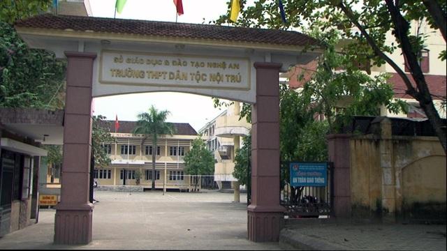 Cả 2 trường DTNT THPT của tỉnh Nghệ An mỗi năm chỉ tuyển sinh chỉ được khoảng gần 1 nghìn học sinh.